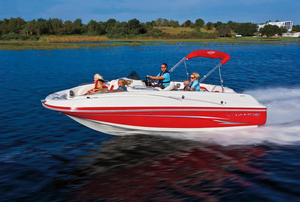 wakeboard-deck-boat