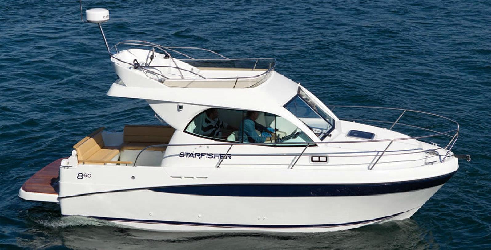 Merveilleux Inboard Cabin Cruiser / Flybridge / Sport Fishing ...