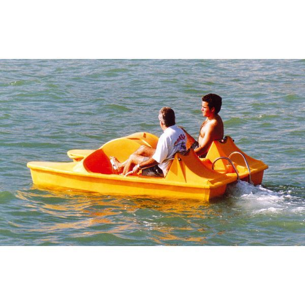 4-seater pedal boat / with slide - P2P - AVENTURAS AQUATICAS SL