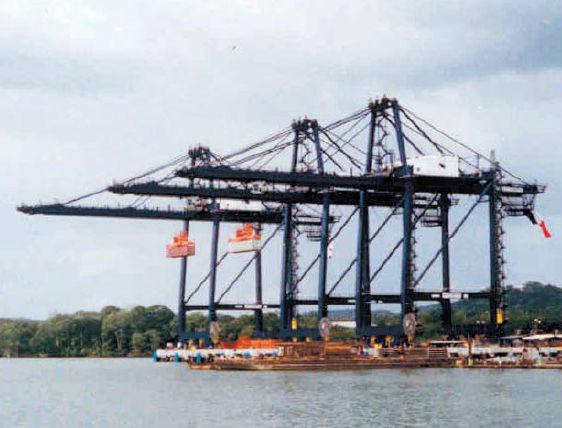 Super post-Panamax container gantry crane - Hyundai Samho Crane Division