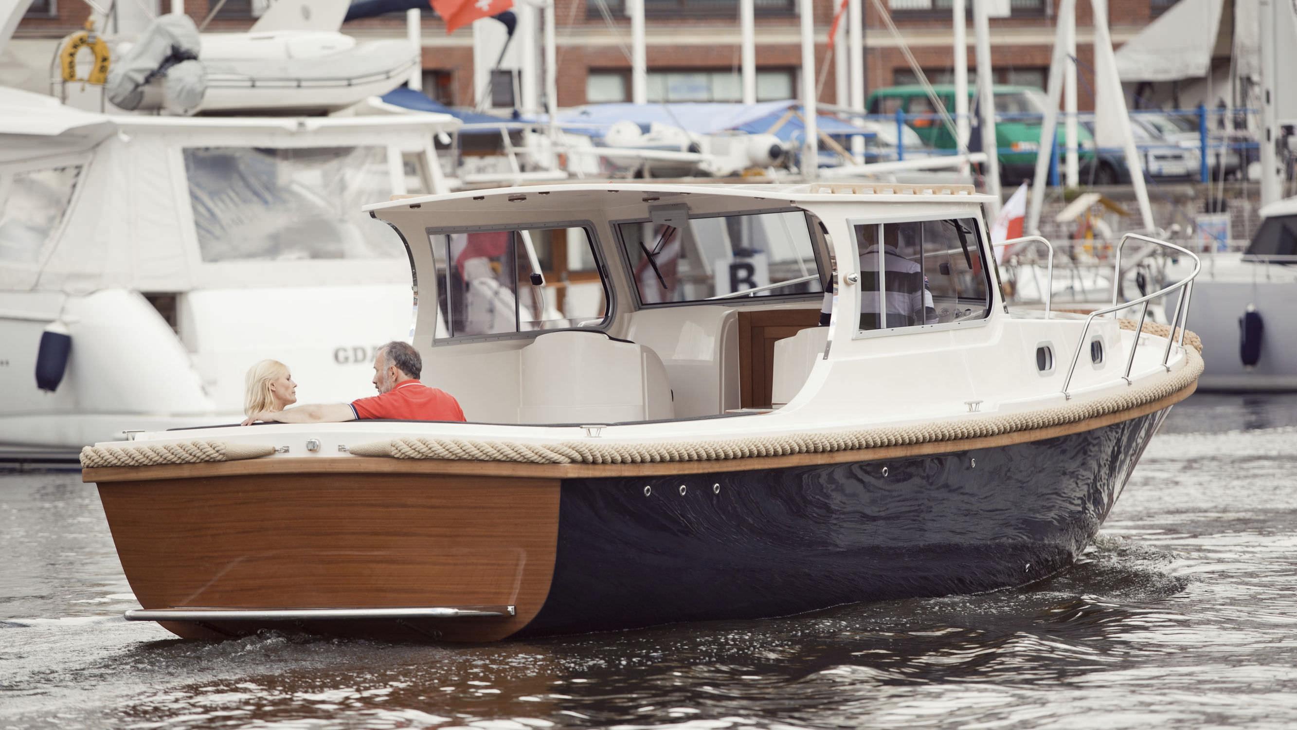 long osprey cabin boats cabins crw photos boat pilothouse