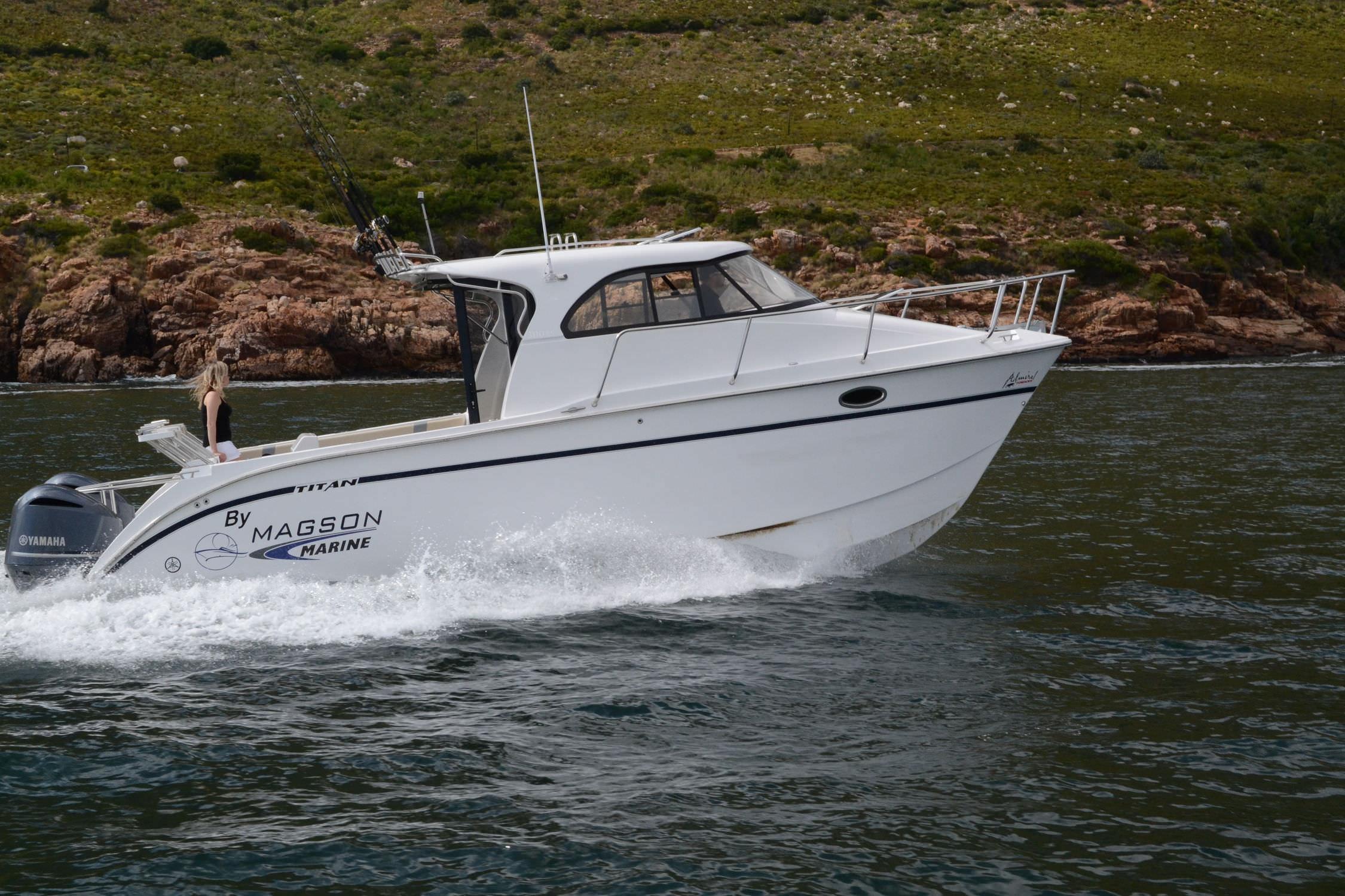 Catamaran Cabin Cruiser / Outboard / Hard Top / Sport Fishing   TITAN 300  EXPRESS CABIN