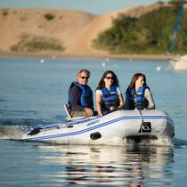 Outboard inflatable boat / foldable / 5-person max. / rigid floor