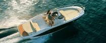 Inboard walkaround / 8-person max. / with cabin / twin-berth