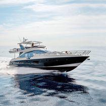 Cruising motor yacht / flybridge / GRP / carbon fiber