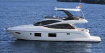 IPS POD express cruiser / twin-engine / flybridge / 18-person max.