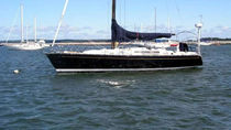 Cruising-racing sailing yacht / open transom / lifting keel