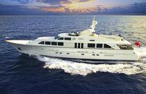 Classic super-yacht / flybridge