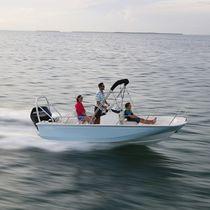Outboard center console boat / center console / ski / sport-fishing