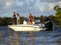Outboard bay boat / center console / sport-fishing / 6-person
