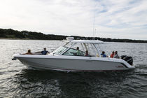 Outboard runabout / twin-engine / bowrider / dual-console