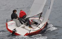 Sport keelboat sailboat / open transom / carbon mast / with bowsprit
