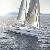 Monohull / cruising / deck saloon / with 3 or 4 cabins