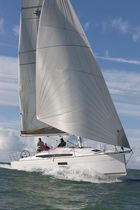 Monohull / cruising / with 2 or 3 cabins / with bowsprit