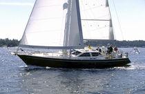 Cruising sailing yacht / deck saloon / 3-cabin