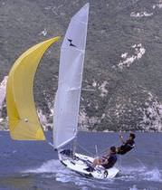 Double-handed sailing dinghy / regatta / asymmetric spinnaker / single-trapeze