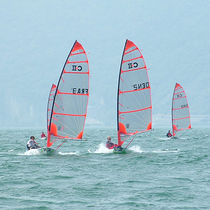 Single-handed sailing dinghy / regatta / catboat / Byte