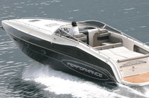 Inboard express cruiser / open / offshore / 10-person max.