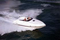 Inboard cabin cruiser / open / 8-person max. / twin-berth