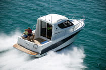 Inboard cruising fishing boat / 8-person max.