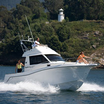 Inboard cruising fishing boat / flybridge / 8-person max.