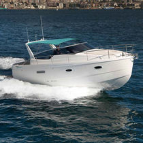 Inboard cabin cruiser / open / 8-person max.