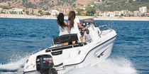 Outboard walkaround / 7-person max. / twin-berth / sundeck