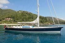 Cruising-racing sailing yacht / open transom / custom