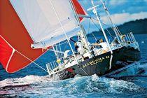 Cruising-racing sailing yacht / center cockpit / custom