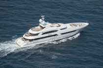 Cruising mega-yacht / wheelhouse / steel / aluminum