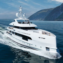 Cruising mega-yacht / wheelhouse / hybrid / aluminium