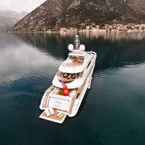 Classic mega-yacht / raised pilothouse / steel / custom
