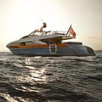 High-speed super-yacht / wheelhouse / aluminum / semi-displacement hull