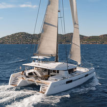 Catamaran / cruising / flybridge