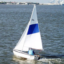 Day-sailer sailboat / open transom