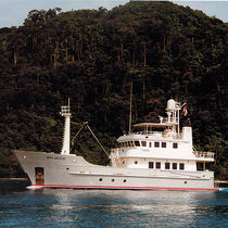 Explorer motor-yacht / flybridge / cruising / steel