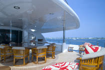 High-speed mega-yacht / raised pilothouse / aluminum / 10-cabin