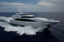 Raised pilothouse super-yacht / flybridge / cruising / aluminum