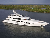 Cruising mega-yacht / wheelhouse / aluminum / 10-cabin