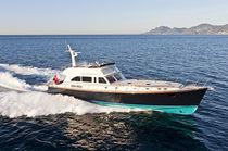 Cruising motor yacht / downeast / classic / flybridge