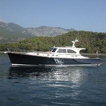 Classic motor yacht / downeast / wheelhouse / epoxy