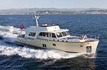 Cruising motor yacht / downeast / flybridge / epoxy