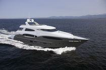 Cruising super-yacht / raised pilothouse / planing hull / 7-cabin