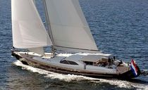 Cruising sailing yacht / deck saloon