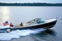 Inboard runabout / hydro-jet / dual-console