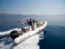 Outboard inflatable boat / semi-rigid / center console / 13-person max.