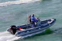 Outboard inflatable boat / semi-rigid / center console / sport-fishing