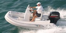 Outboard inflatable boat / semi-rigid / side console / 5-person max.