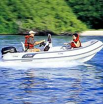 Outboard inflatable boat / semi-rigid / center console / 8-person max.