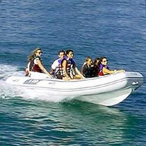 Outboard inflatable boat / semi-rigid / center console / 7-person max.